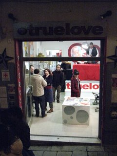 photo exhibition da true love art gallery 45 - fanzine